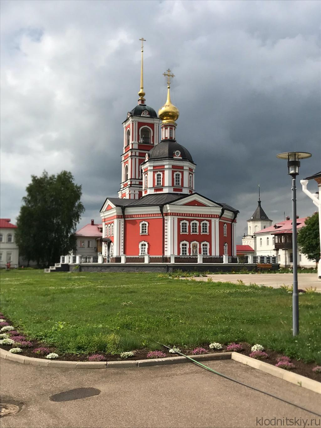 Автопутешествие по золотому кольцу. Троице-Сергиев Варницкий Монастырь.