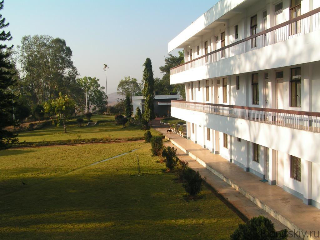 Общежитие Карапут, Индия
