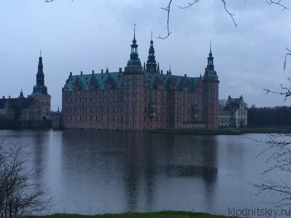 королевский замок Фредериксборг