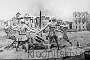 23 августа 1942 года в Сталинграде. Фото Эммануила