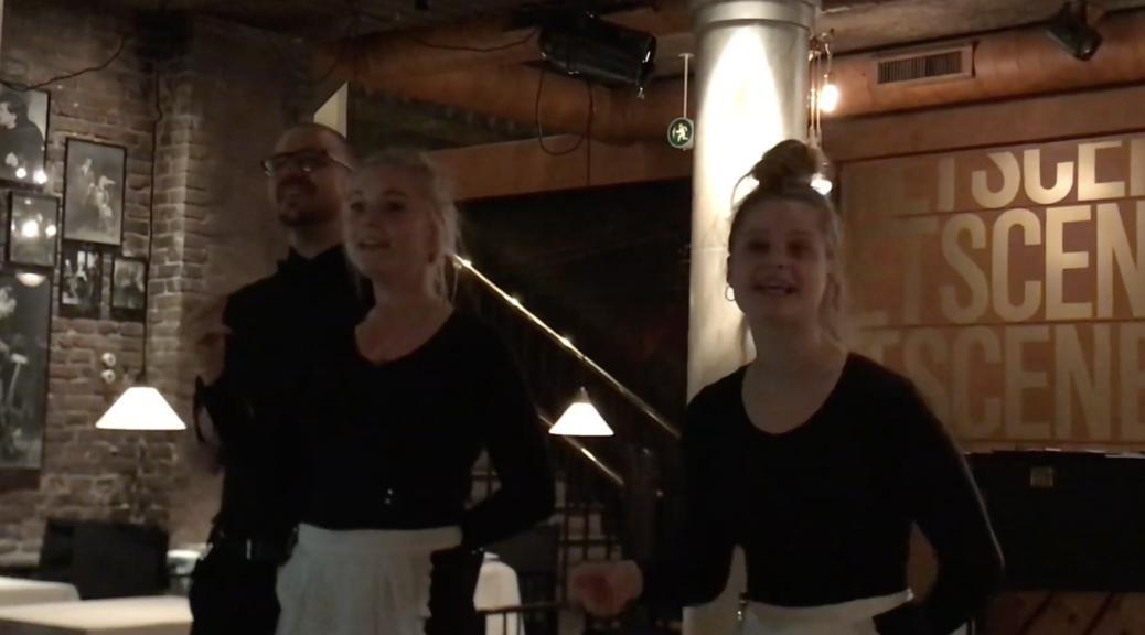 Поющие официанты в Копенгагене